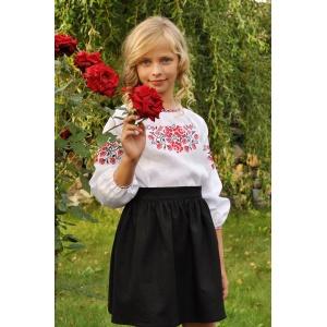 Белая блуза для девочки с традиционной вышивкой