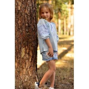 Детская блуза с вышивкой из тонкого льна