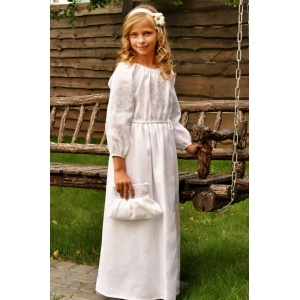 Нарядное детское платье из натурального льна с белой вышивкой