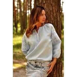 Комплект вышиванок  – мужская рубашка и женская блуза нежно-голубого цвета