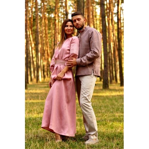 Романтичный комплект  – мужская рубашка с вышивкой и женское длинное платье с вышитым поясом