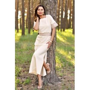 Длинное вышитое платье прямого кроя с цельнокроеным рукавом