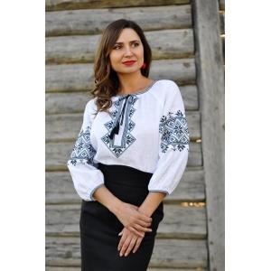 Вышиванка женская белая с черной вышивкой