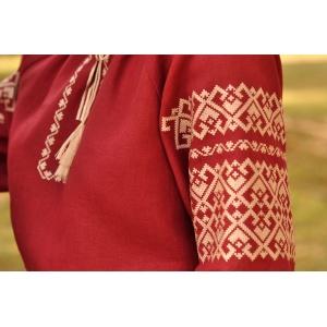 Женская блуза с вышивкой глубокого винного оттенка
