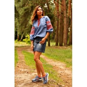 Стильная блузка вышиванка голубая с геометрическим орнаментом