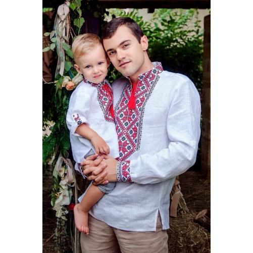 Комплект вышиванок для отца и сына из белого льна с красно-черной вышивкой