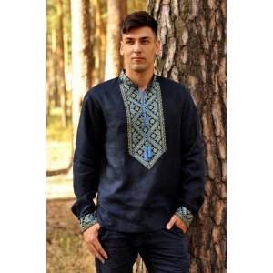 Современная мужская вышиванка темно-синяя